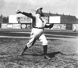 275px-Cy_young_pitching.jpg